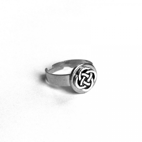 Celtic Knot Ring for Woman