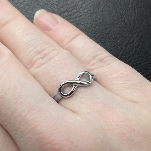 Silver Right Hand Ring for Sensitive Skin