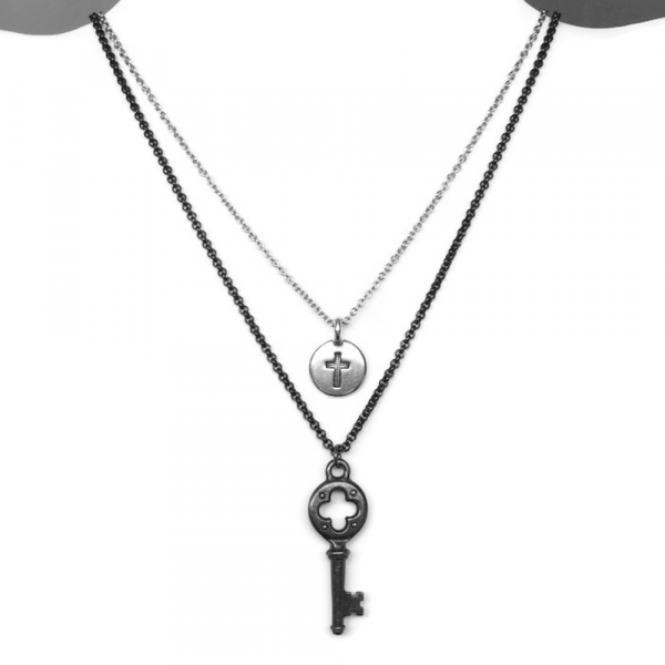 How to Layer Necklaces Women Example