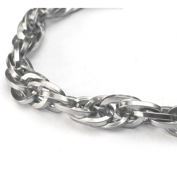 Oval Link Chain Bracelet Weave Close Up
