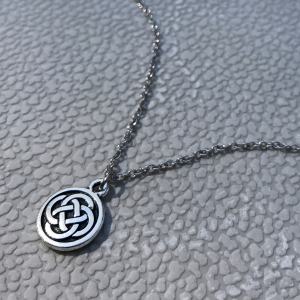 Trendy Jewelry Celtic Design Mini Medallion Style Necklace