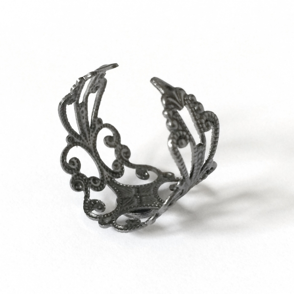 Cool Filigree Designs for Teen Girls