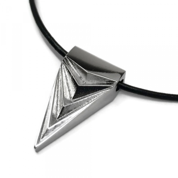 Mens Dagger Arrowhead Necklace 316L Stainless Steel Hypoallergenic