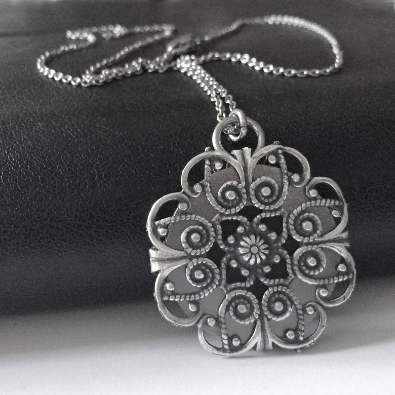 Large dark silver coloured filigree flower pendant 30 inch chain necklace
