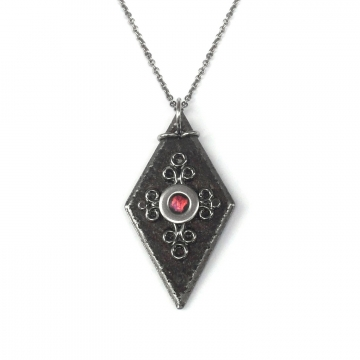 Bonnie Bennett Medieval Black Iron Diamond Pendant Stainless Steel Necklace Chain