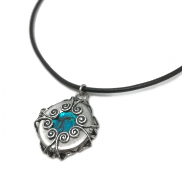 As seen on Charmed - Mystical Stainless Steel Reversible Filigree Pendant Necklace